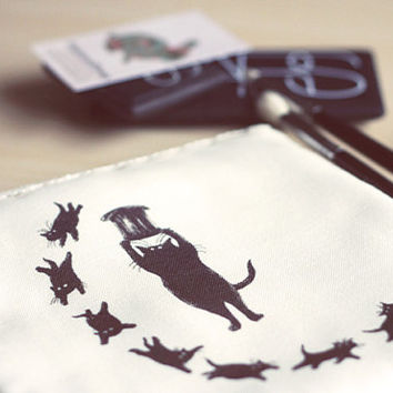 Edward Gorey cats illustration bag. Cat Mini tablet /E-reader case.Cat Lovers accessories.