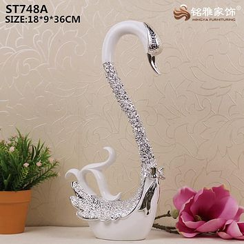 Resin plating silver swan statues for wedding decoration