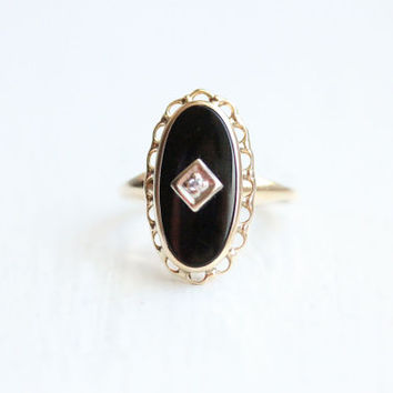 10K Onyx and Diamond Oval Ring - Size 6.25