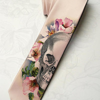 Men's halloween wedding necktie. Dia de los muertos necktie for dead groom. Horror necktie with skull and roses. Halloween party necktie.