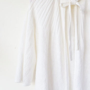 """vintage SNOWDROP white bed jacket by st michael . cool summer evenings boudoir attire. to fit bust 34""""-36"""", 86-91cm. bedjacket. tie neck"""