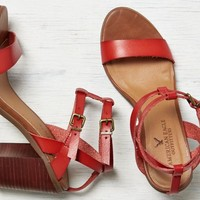 AEO Women's Strappy Stacked Heel Sandal (Coral)