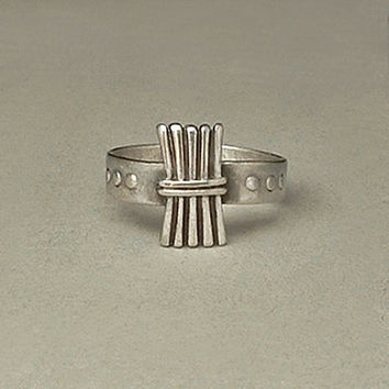 Antique STERLING Ring CAMPFIRE Girls Wood Gatherer WOHELO Signed Hallmarked