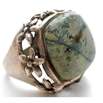 Sterling Silver Ring with Green Gemstone Vintage