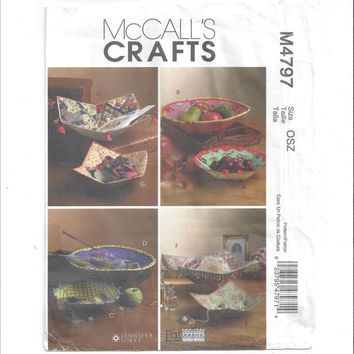 McCall's 4797 Pattern for 8 Fabric Bowls, From 2005, McCall's Crafts, Design by Jennifer Lokey, Designed for Fat Quarters, Home Sew Pattern