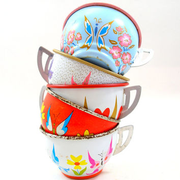 50s Tin Toy Tea cups, BUTTERFLY graphics on 5 metal, Spring set.