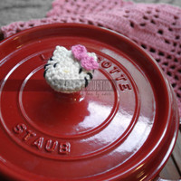 Hello Kitty Decorative Crochet Pot Knob Cover with Cotton Yarn, Pot Knob Cover, can be used as Le Creuset or Staub accessory