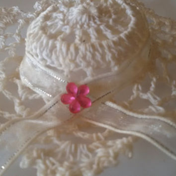 Crochet Hat for Wedding or New Baby girl, Handmade Crochet Candy Favor, Free Shipping