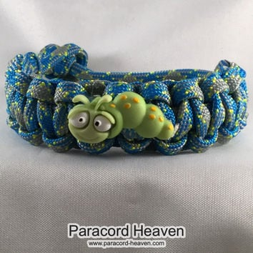 Wally the Bookworm - Children Paracord Heaven Survival Bracelet with Knot Closure