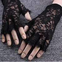 2 Colors Sexy Goth Dressy Fingerless Gloves Wrist Practical Women Accessories Sunscreen Half Finger Black White Lace Gloves