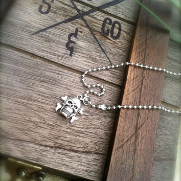 ReelSteel Pirate Skull and Cross Bones Pendent & Chain