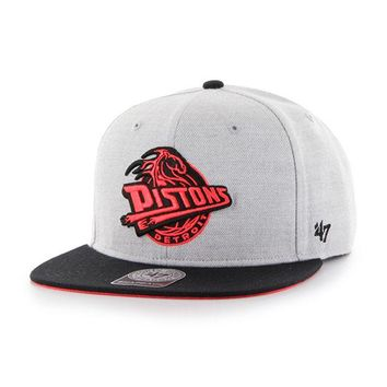 DCCKG8Q NBA 47 Brand Detroit Pistons Gray Wrist Shot Two Tone Neon Captain Snapback