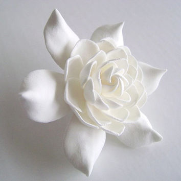 Wedding Hair Fscinator. White Gardenia Bridal Hair Clip. Wedding Hair Piece