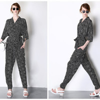 women jumpsuit in black,half sleeve,high fashion,V neck,zip at back,made of mulberry silk,comfortable,for summer.