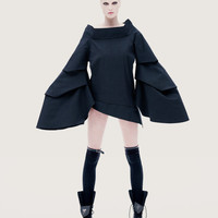 Multifunctional jacket with triangle sleeves and trendy sleeve openings