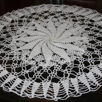 Sunburst Doily, Doilies, Table Centerpiece, Tablecloth, antimacassar, Crochet Thread