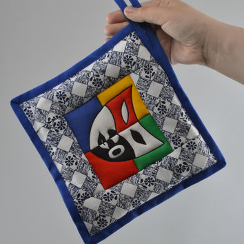 Handmade colorful square hot pot holder sewn of cotton with pattern for kitchen