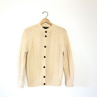 Vintage wool cardigan sweater. Irish Fisherman's sweater. Natural cream chunky knit pocket sweater. Winter wool Sweater. Preppy. Small
