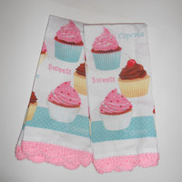 Cupcake Kitchen Towel, Pink Crochet Edging, Retro Kitchen