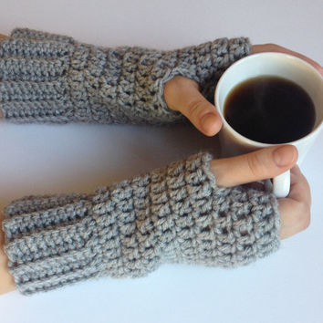 crochet fingerless gloves, texting gloves, driving gloves, crochet gloves in silver heather