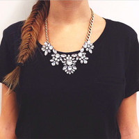 Charming Faux Crystal Statement Necklace Rhinestone Bib Collar Chunky Thick Chain