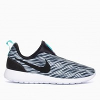 Roshe run slip on GPX from the Summer Nike collection in electric black and white