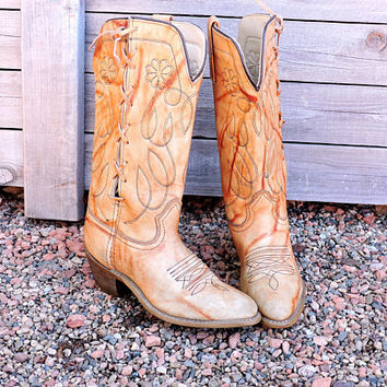 Vintage 70s Texas USA boots / size 6 /  leather lace up cowgirl boots / boho western cowboy boots