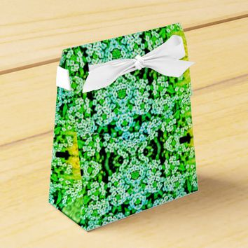 Green Stylized Daisy Flowers Gift Favor Box