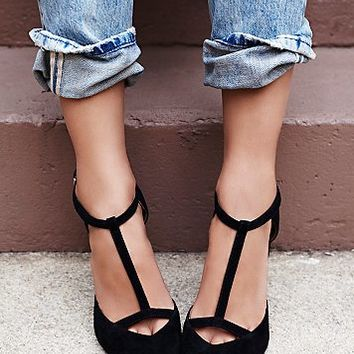 Jeffrey Campbell + Free People Womens Eyes On You Wedge