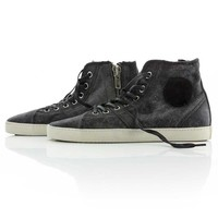Chicago Canvas Black<br />available sizes 38, 39,