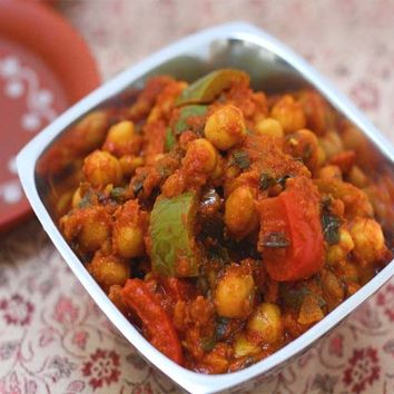 Recipes - Chana Masala (Chickpeas Cooked in a Spicy Tomato Sauce)