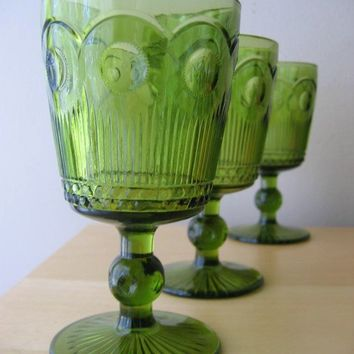 vintage thumbprint pedestal goblets set 4 by ionesAttic on Etsy