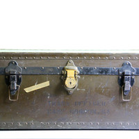 vintage military box // trunk // chest