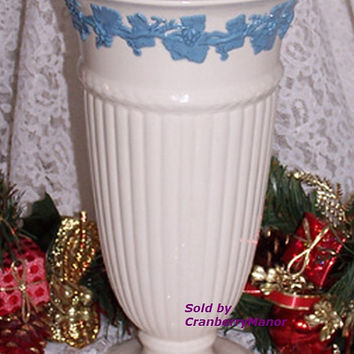 Vintage Wedgwood Embossed Queen's Ware Blue Relief XL Vase T003