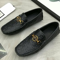 GUCCI 2019 new high-end men's embossed double G low to help casual peas shoes
