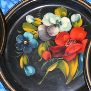 A Set of Four Vintage Russian (Soviet Union ) Hand Painted Folk Art Floral Black Metal Plate Made in USSR