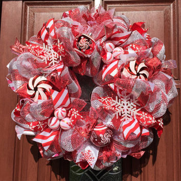 Silver Red Deco mesh Christmas Wreath, Candy Cane Christmas Wreath, Peppermint Candy Wreath - Holiday Decor Wreath, Candy Cane Lane