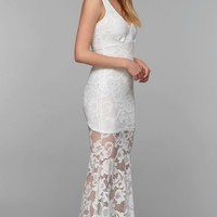 Wyldr | Cassil Lace Maxi Dress in White