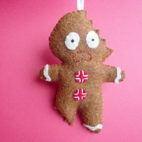 Felt Christmas Tree Decoration Ornament - Terrifed Cookie Gingerbread Man