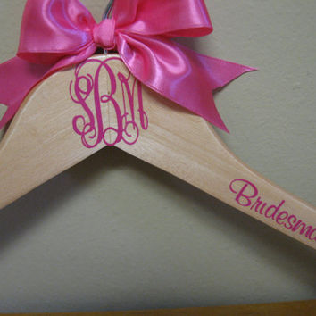 Personalized Monogram Hanger by VinyleYours on Etsy