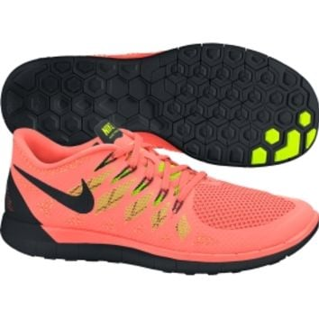Shop industry-leading women's running shoes and men's running shoes at DICK'S Sporting Goods. Runners of all stripes can find the footwear that matches their course. Hearty trail-running shoes provide extra traction and stability, while lean sprinting shoes are lightweight and designed for speed.
