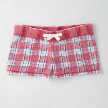 Good Thing Easygoing Sleep Shorts in Pink Plaid