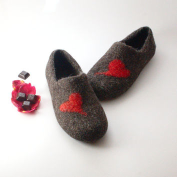 Felted Wool Clogs Red Heart - handmade wool house shoes - eco-friendly slippers - felted slippers - mothers day gift - gift for him