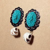 Day of the Dead Flower and Skull Plugs for Gauged Ears - (6mm 8mm10mm12mm 14mm 16mm 18mm  / 00g, 0g, 2g, 4g, 6g) choose size