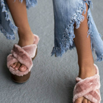 Chella Feels Mauve Faux Fur Platform Sandals