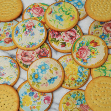 240 x Floral Chintz Edible Wafers Rice Paper - Classic Vintage Florals - Cake Cupcake Biscuit Cookie Decoration Toppers - MEDIUM.Circles 5cm