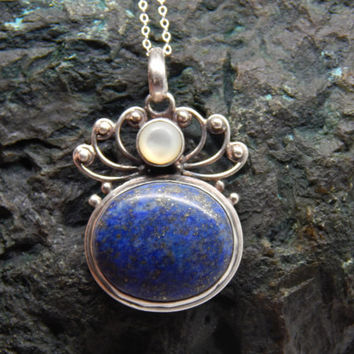 Lovely Vintage Art Deco Style Sterling Silver, Lapis Lazuli and Mother of Pearl Pendant Necklace