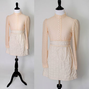 Vintage 1970s Boho HIPPIE Cream off white lace floral long sleeve high neck wedding Peasant puff sleeve Babydoll MINI dress