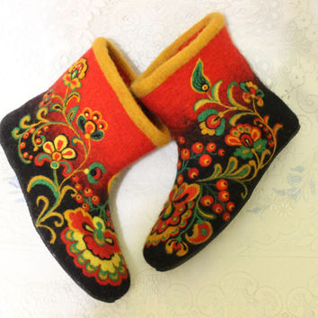 "Handmade Felted House Shoes In Variations ""Khokhloma"", 100% wool, Russian Painting, Birds, Flowers, Ornament"