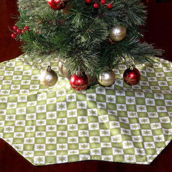 Mini Table Top Christmas Tree Skirt, Reversible, Green
